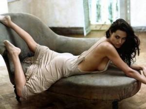 Angelina Jolie torna in forma con i videogiochi