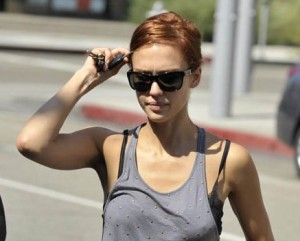 Jessica Alba si è fatta rossa