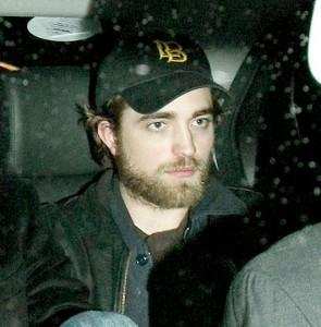 Robert Pattinson cambia look