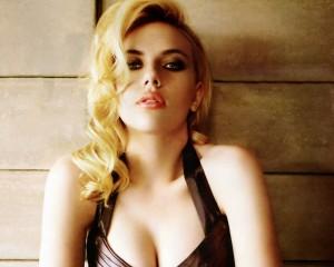 A Scarlett sono tornate le curve