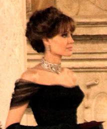 Che bomba la Jolie in nero!