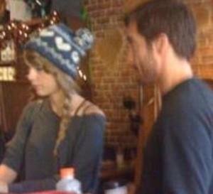 Jake Gyllenhaal e Taylor Swift paparazzati insieme