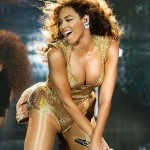 beyonce-in-a-racy-stage-outfit