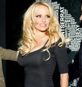 Pamela Anderson, che grinta!
