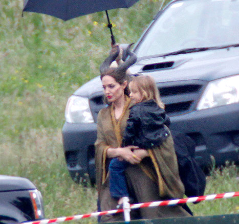 Angelina e Vivienne sul set di Maleficent
