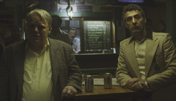 Philip Seymour-Hoffman e John Turturro in God's Pocket