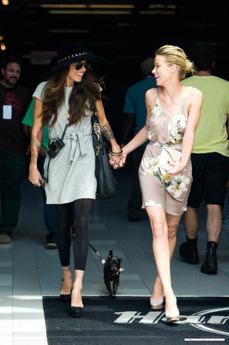 Amber Heard e Tasya Van Ree in un'immagine di qualche anno fa