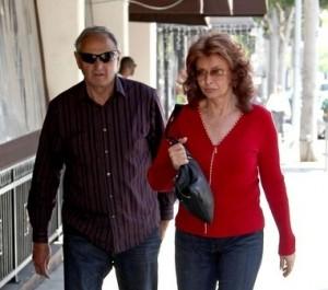 Sophia Loren a passeggio per le strade di L.A.