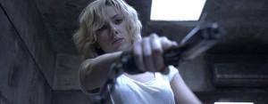 Scarlett Johansson e Morgan Freeman nel trailer di Lucy