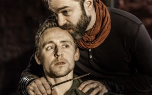 Tom Hiddleston al cinema nel Coriolanus del National Theatre