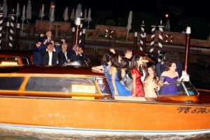 George e Amal sposi. Tutto perfetto, anche troppo