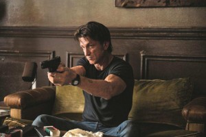 Sean Penn e Javier Bardem nel trailer di The Gunman