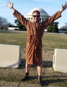 Sharknado 3: Ian Ziering leopardato annuncia la fine delle riprese