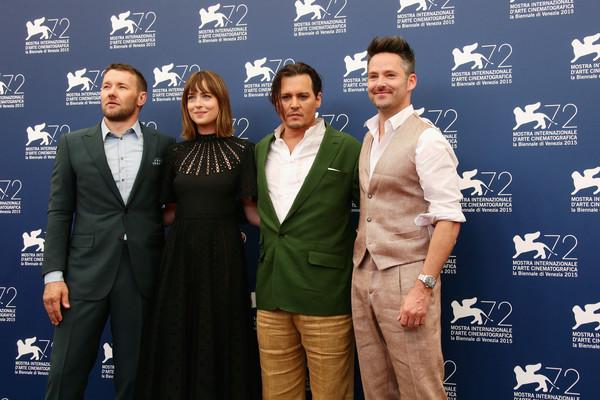 Joel Edgerton, Dakota Johnson, Johnny Depp e Scott Cooper