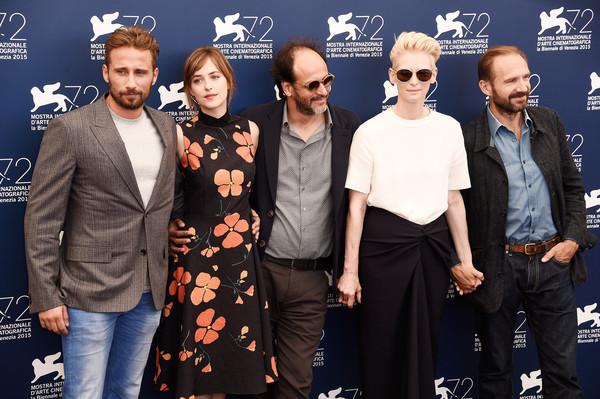 Matthias Schoenaerts, Luca Guadagnino, Dakota Johnson, Tilda Swinton e Ralph Fiennes
