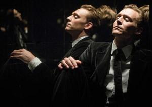 Tom Hiddleston ed Elizabeth Moss nella prima clip di High-Rise