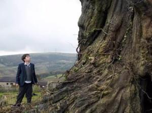 A Monster Calls: il teaser del film di Juan Antonio Bayona