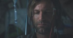 Aaron Eckhart esorcista nel primo trailer di Incarnate