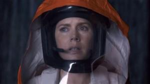 Amy Adams parla con gli alieni nel trailer di Arrival