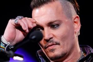 Ancora Johnny Depp: la scenata di gelosia che gli è costata un dito