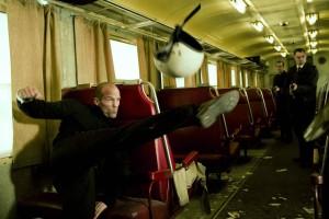 Jason Statham e i suoi calci protagonisti di questo divertente video
