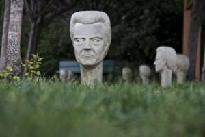 I faccioni di Christopher Walken protagonisti di un'installazione artistica