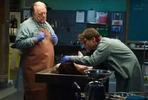 Autopsy, ecco il trailer italiano dell'horror con Emile Hirsch e Brian Cox