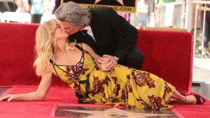 Kurt Russell e Goldie Hawn: due stelle vicine sulla Walk of Fame