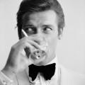 Addio a Roger Moore