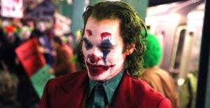 Ecco il trailer di Joker, che ha il ghigno di Joaquin Phoenix